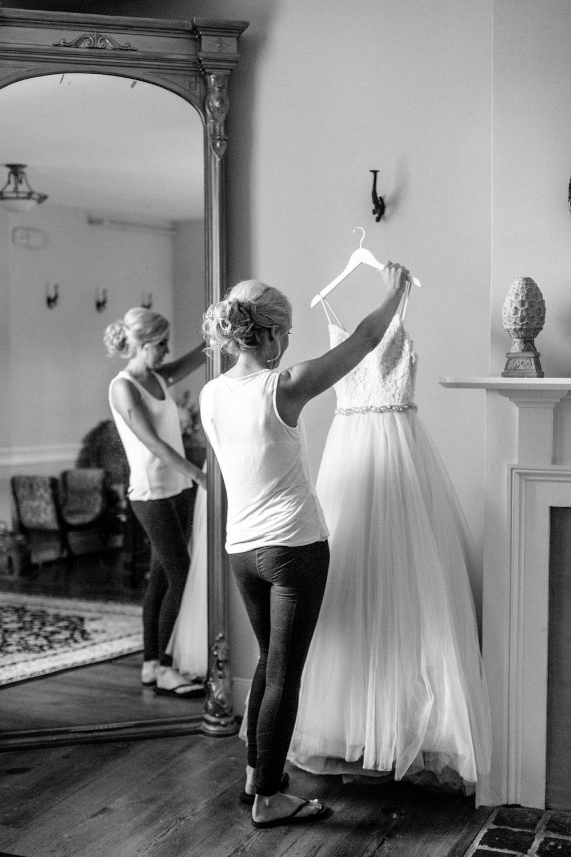 nicole-daacke-photography-intimate-wedding-in-a-lavender-field-washington-state-wedding-photographer-intimate-elopement-golden-lavender-field-wedding-photos-10.jpg
