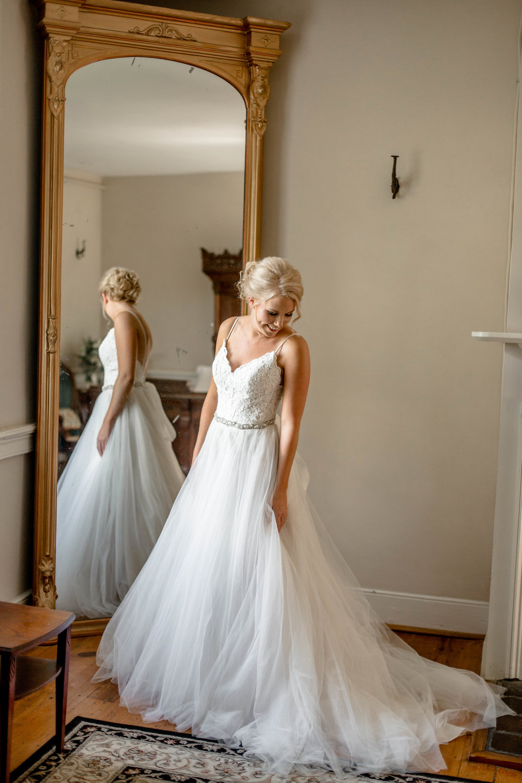 nicole-daacke-photography-intimate-wedding-in-a-lavender-field-washington-state-wedding-photographer-intimate-elopement-golden-lavender-field-wedding-photos-14.jpg
