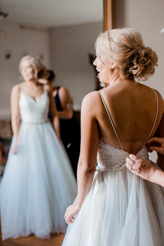 nicole-daacke-photography-intimate-wedding-in-a-lavender-field-washington-state-wedding-photographer-intimate-elopement-golden-lavender-field-wedding-photos-11.jpg