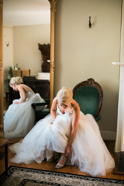 nicole-daacke-photography-intimate-wedding-in-a-lavender-field-washington-state-wedding-photographer-intimate-elopement-golden-lavender-field-wedding-photos-17.jpg