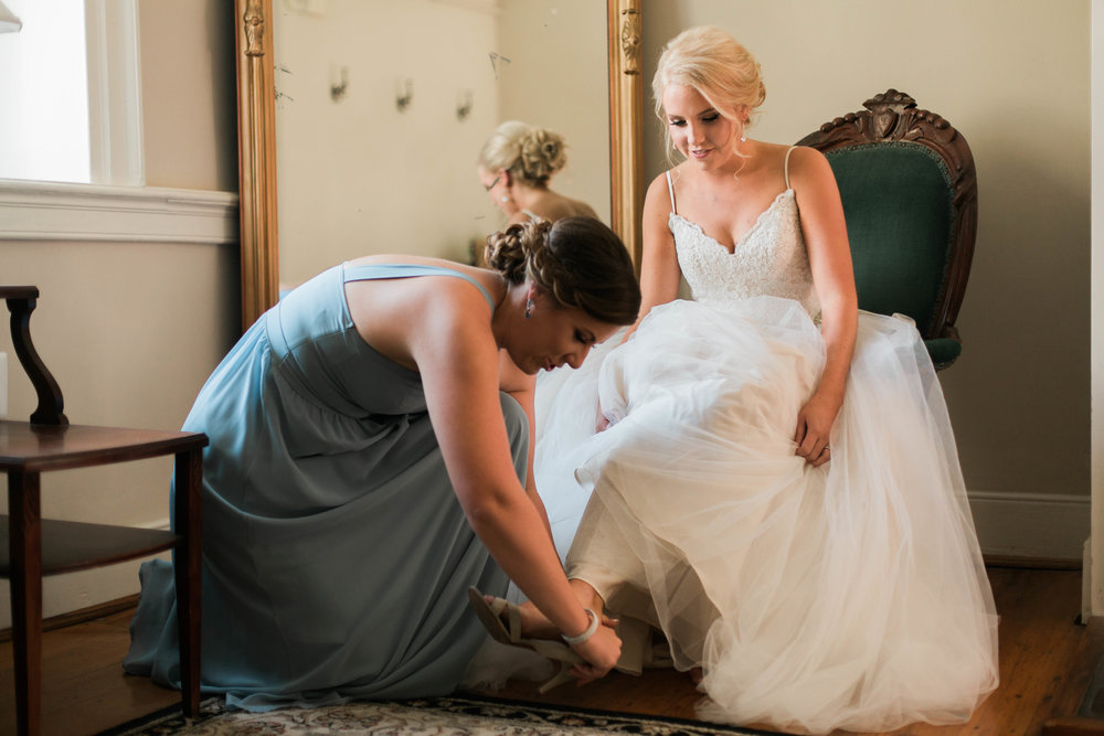 nicole-daacke-photography-intimate-wedding-in-a-lavender-field-washington-state-wedding-photographer-intimate-elopement-golden-lavender-field-wedding-photos-16.jpg