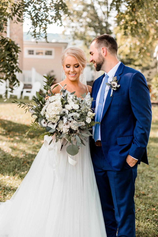 nicole-daacke-photography-intimate-wedding-in-a-lavender-field-washington-state-wedding-photographer-intimate-elopement-golden-lavender-field-wedding-photos-21.jpg