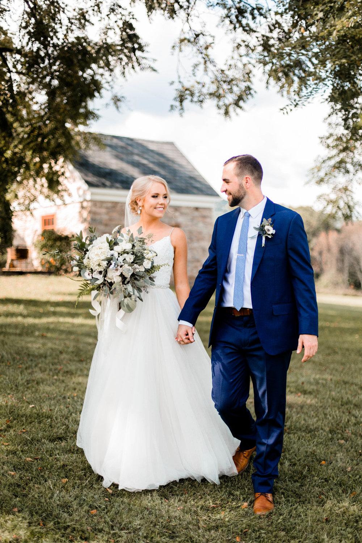 nicole-daacke-photography-intimate-wedding-in-a-lavender-field-washington-state-wedding-photographer-intimate-elopement-golden-lavender-field-wedding-photos-22.jpg