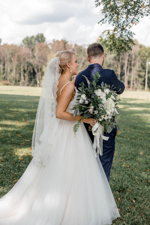 nicole-daacke-photography-intimate-wedding-in-a-lavender-field-washington-state-wedding-photographer-intimate-elopement-golden-lavender-field-wedding-photos-18.jpg