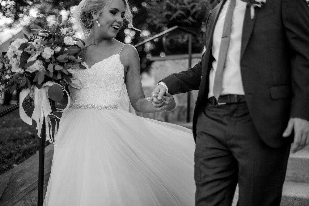 nicole-daacke-photography-intimate-wedding-in-a-lavender-field-washington-state-wedding-photographer-intimate-elopement-golden-lavender-field-wedding-photos-23.jpg