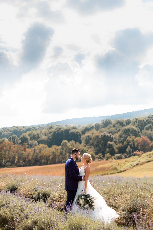 nicole-daacke-photography-intimate-wedding-in-a-lavender-field-washington-state-wedding-photographer-intimate-elopement-golden-lavender-field-wedding-photos-25.jpg