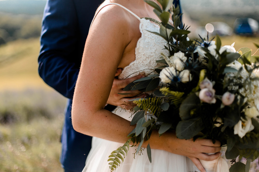nicole-daacke-photography-intimate-wedding-in-a-lavender-field-washington-state-wedding-photographer-intimate-elopement-golden-lavender-field-wedding-photos-32.jpg