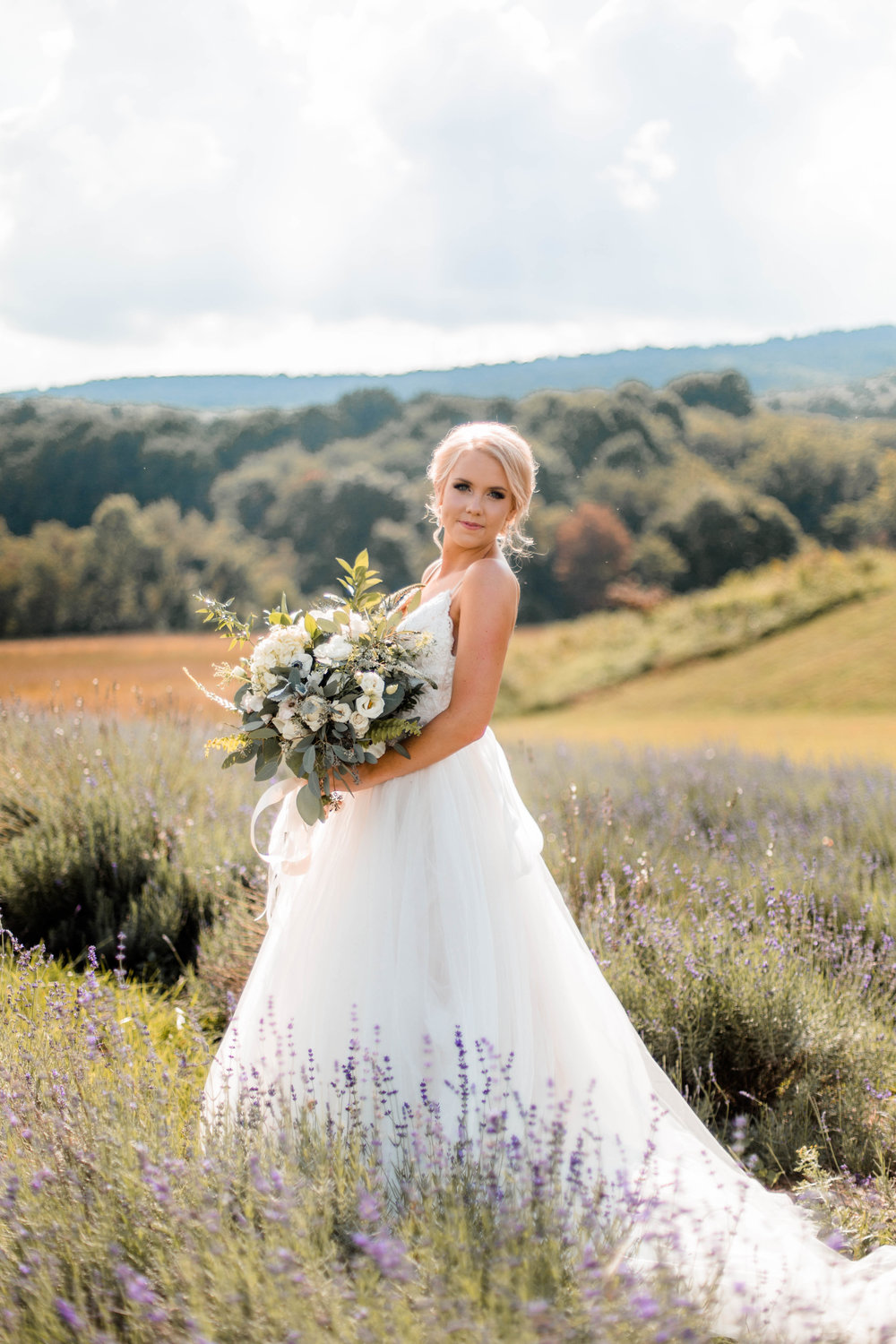 nicole-daacke-photography-intimate-wedding-in-a-lavender-field-washington-state-wedding-photographer-intimate-elopement-golden-lavender-field-wedding-photos-27.jpg