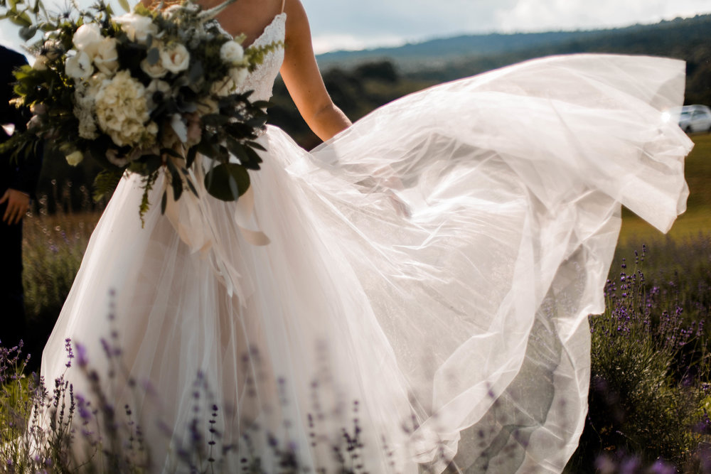 nicole-daacke-photography-intimate-wedding-in-a-lavender-field-washington-state-wedding-photographer-intimate-elopement-golden-lavender-field-wedding-photos-30.jpg