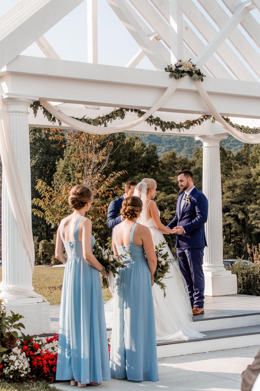 nicole-daacke-photography-intimate-wedding-in-a-lavender-field-washington-state-wedding-photographer-intimate-elopement-golden-lavender-field-wedding-photos-46.jpg