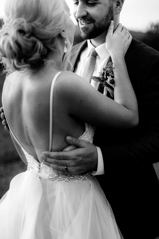 nicole-daacke-photography-intimate-wedding-in-a-lavender-field-washington-state-wedding-photographer-intimate-elopement-golden-lavender-field-wedding-photos-61.jpg