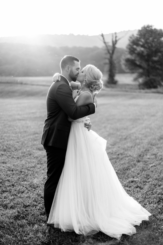 nicole-daacke-photography-intimate-wedding-in-a-lavender-field-washington-state-wedding-photographer-intimate-elopement-golden-lavender-field-wedding-photos-53.jpg