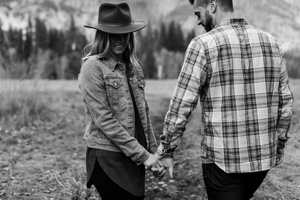 nicole-daacke-photography-yosemite-national-park-engagement-session-yosemite-valley-adventure-session-california-11.jpg