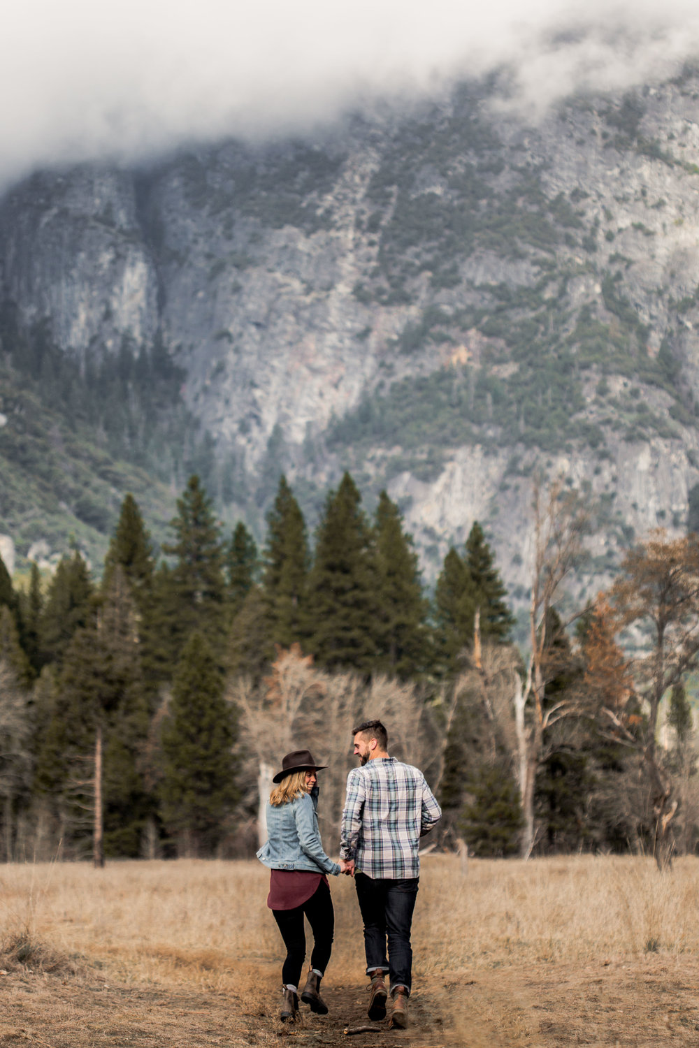 nicole-daacke-photography-yosemite-national-park-engagement-session-yosemite-valley-adventure-session-california-13.jpg