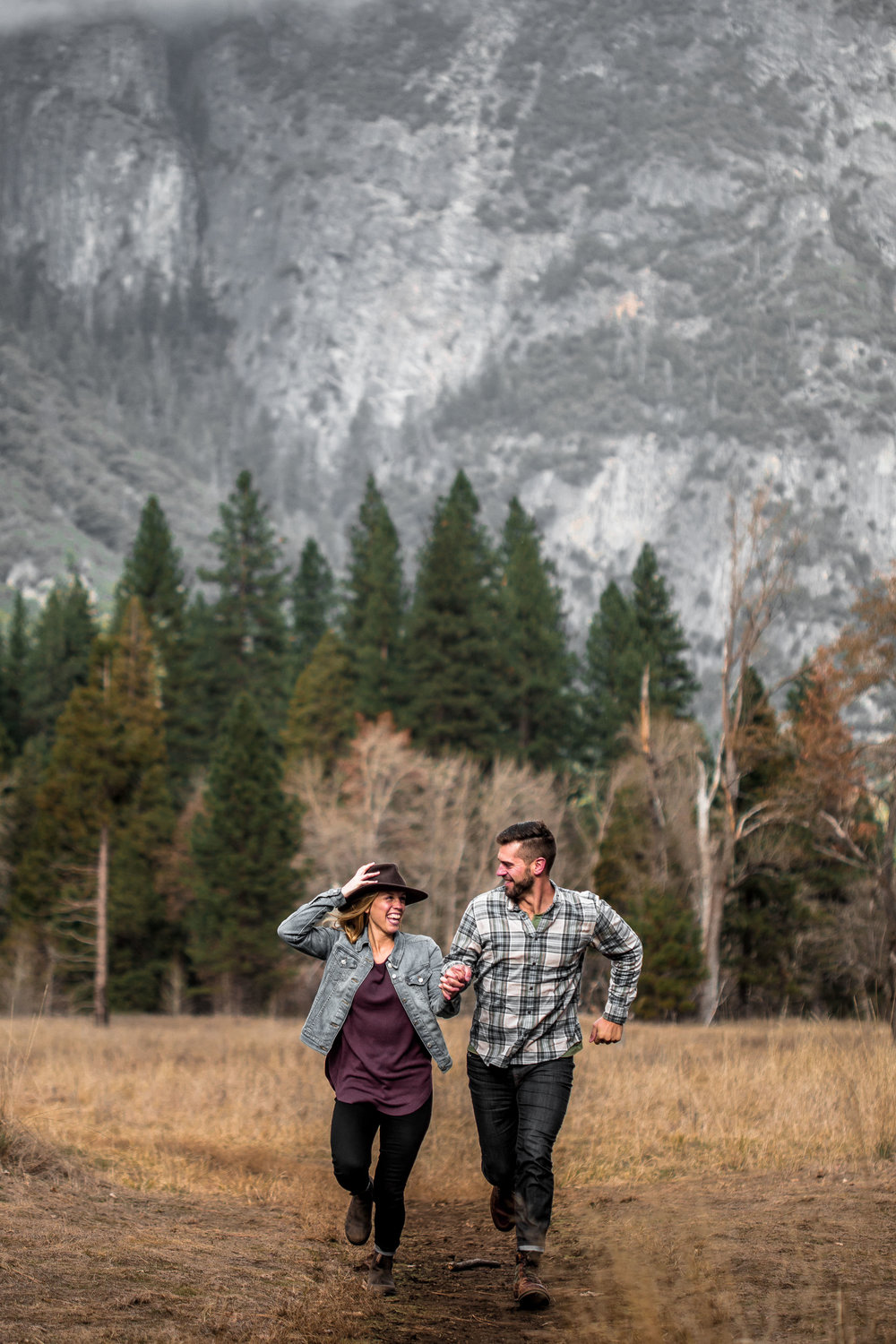 nicole-daacke-photography-yosemite-national-park-engagement-session-yosemite-valley-adventure-session-california-14.jpg