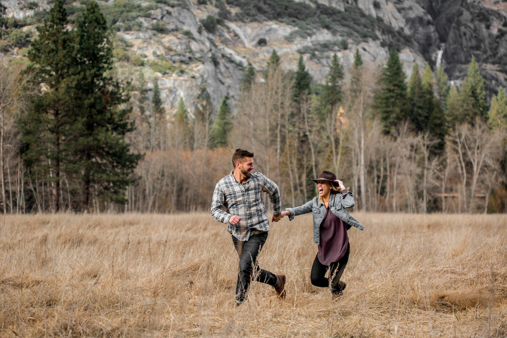 nicole-daacke-photography-yosemite-national-park-engagement-session-yosemite-valley-adventure-session-california-20.jpg