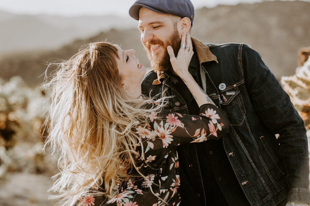 nicole-daacke-photography-joshua-tree-cactus-garden-engagement-photos-joshua-tree-national-park-enegagement-session-edgy-hipster-california-cholla-garden-golden-sunset-session-9.jpg