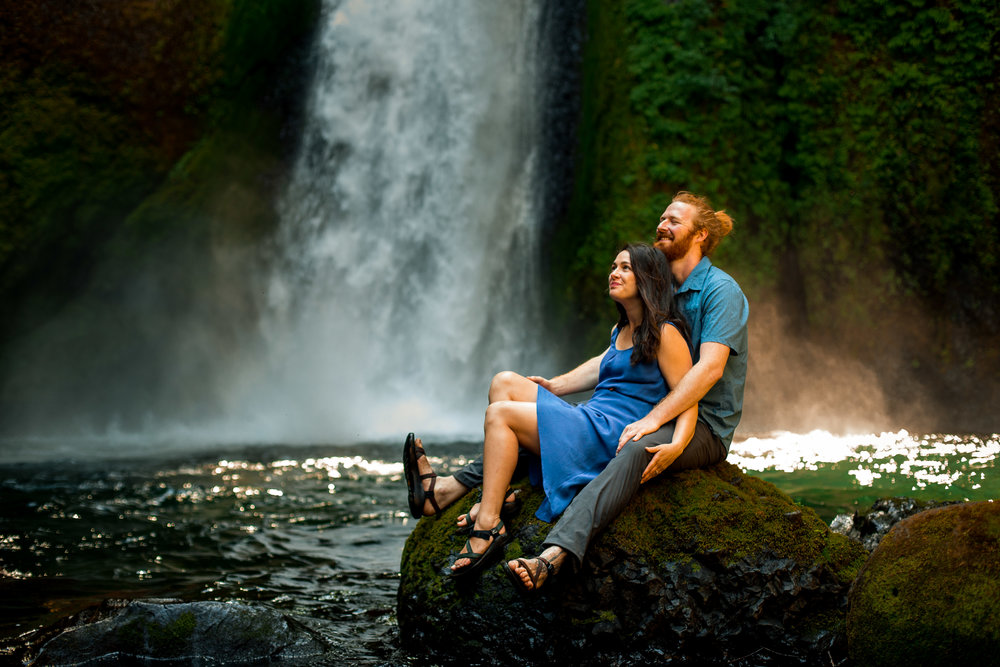 nicole-daacke-photography-wahclella-falls-waterfall-engagement-session-portland-engagement-photographer-columbia-river-gorge-oregon-elopement-photographer-24.jpg
