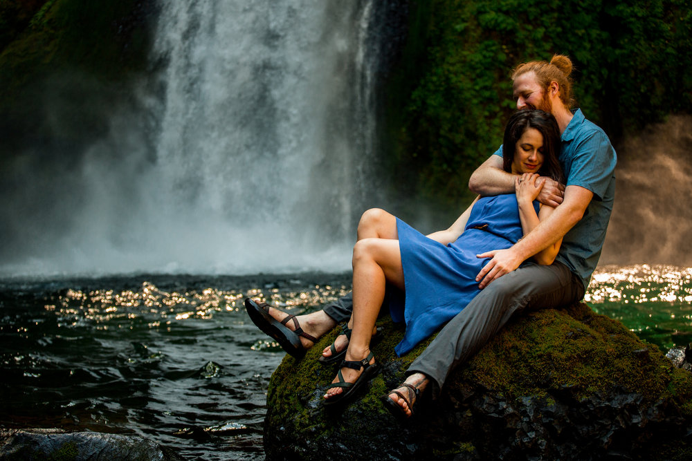 nicole-daacke-photography-wahclella-falls-waterfall-engagement-session-portland-engagement-photographer-columbia-river-gorge-oregon-elopement-photographer-23.jpg