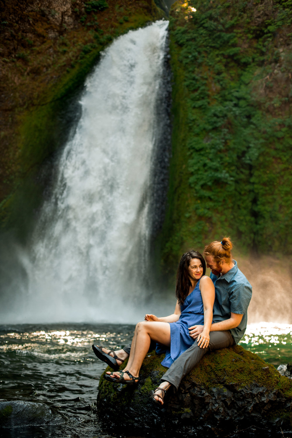nicole-daacke-photography-wahclella-falls-waterfall-engagement-session-portland-engagement-photographer-columbia-river-gorge-oregon-elopement-photographer-25.jpg