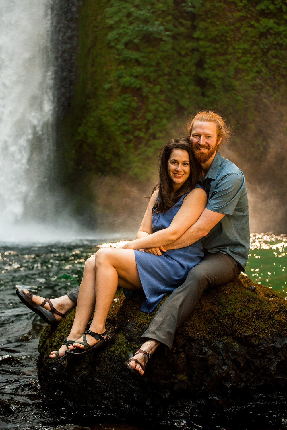 nicole-daacke-photography-wahclella-falls-waterfall-engagement-session-portland-engagement-photographer-columbia-river-gorge-oregon-elopement-photographer-29.jpg