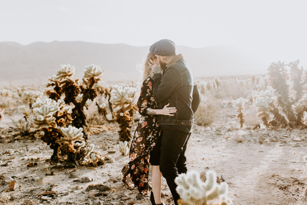 nicole-daacke-photography-joshua-tree-cactus-garden-engagement-photos-joshua-tree-national-park-enegagement-session-edgy-hipster-california-cholla-garden-golden-sunset-session-3.jpg