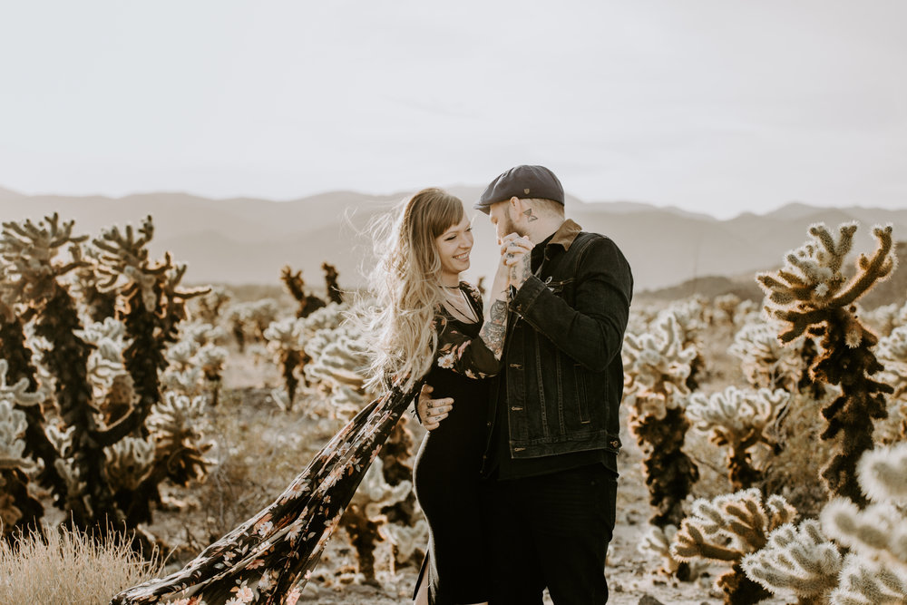 nicole-daacke-photography-joshua-tree-cactus-garden-engagement-photos-joshua-tree-national-park-enegagement-session-edgy-hipster-california-cholla-garden-golden-sunset-session-10.jpg