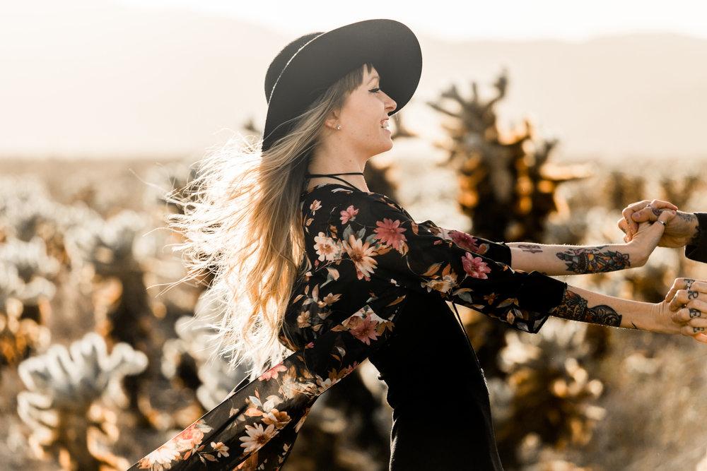 nicole-daacke-photography-joshua-tree-cactus-garden-engagement-photos-joshua-tree-national-park-enegagement-session-edgy-hipster-california-cholla-garden-golden-sunset-session-15.jpg