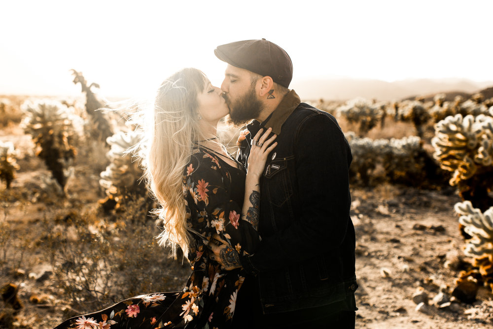 nicole-daacke-photography-joshua-tree-cactus-garden-engagement-photos-joshua-tree-national-park-enegagement-session-edgy-hipster-california-cholla-garden-golden-sunset-session-23.jpg