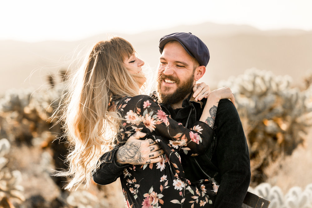 nicole-daacke-photography-joshua-tree-cactus-garden-engagement-photos-joshua-tree-national-park-enegagement-session-edgy-hipster-california-cholla-garden-golden-sunset-session-27.jpg