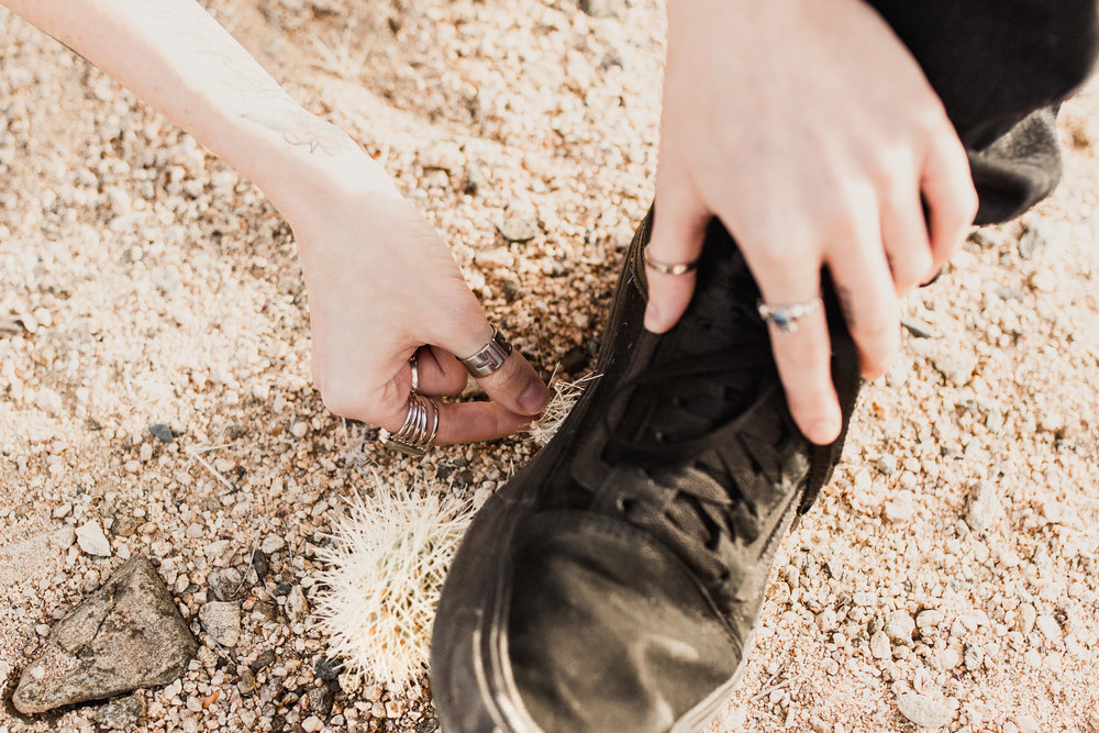 nicole-daacke-photography-joshua-tree-cactus-garden-engagement-photos-joshua-tree-national-park-enegagement-session-edgy-hipster-california-cholla-garden-golden-sunset-session-30.jpg