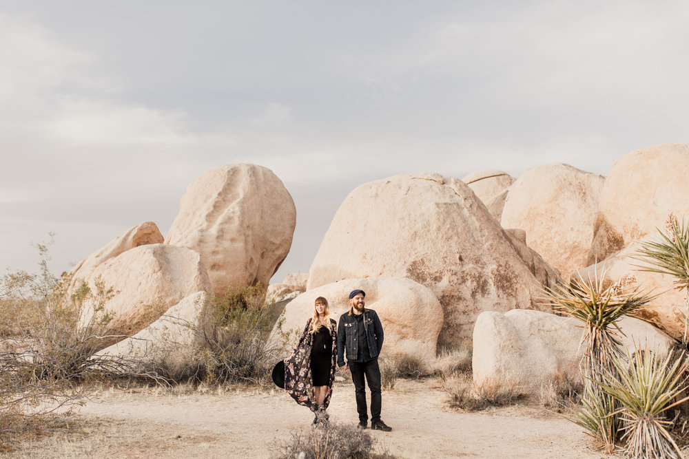 nicole-daacke-photography-joshua-tree-cactus-garden-engagement-photos-joshua-tree-national-park-enegagement-session-edgy-hipster-california-cholla-garden-golden-sunset-session-33.jpg