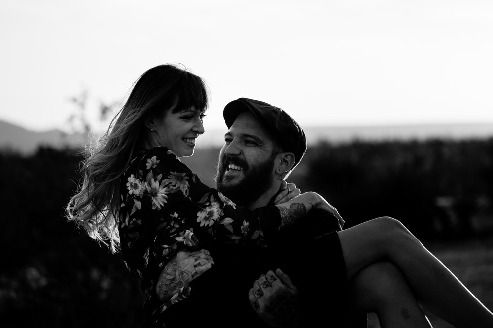 nicole-daacke-photography-joshua-tree-cactus-garden-engagement-photos-joshua-tree-national-park-enegagement-session-edgy-hipster-california-cholla-garden-golden-sunset-session-61.jpg