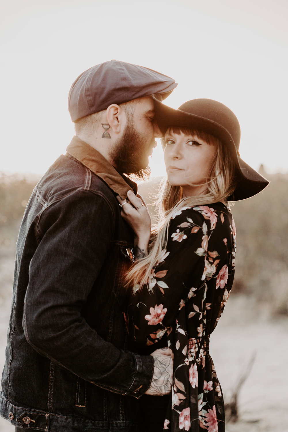 nicole-daacke-photography-joshua-tree-cactus-garden-engagement-photos-joshua-tree-national-park-enegagement-session-edgy-hipster-california-cholla-garden-golden-sunset-session-72.jpg