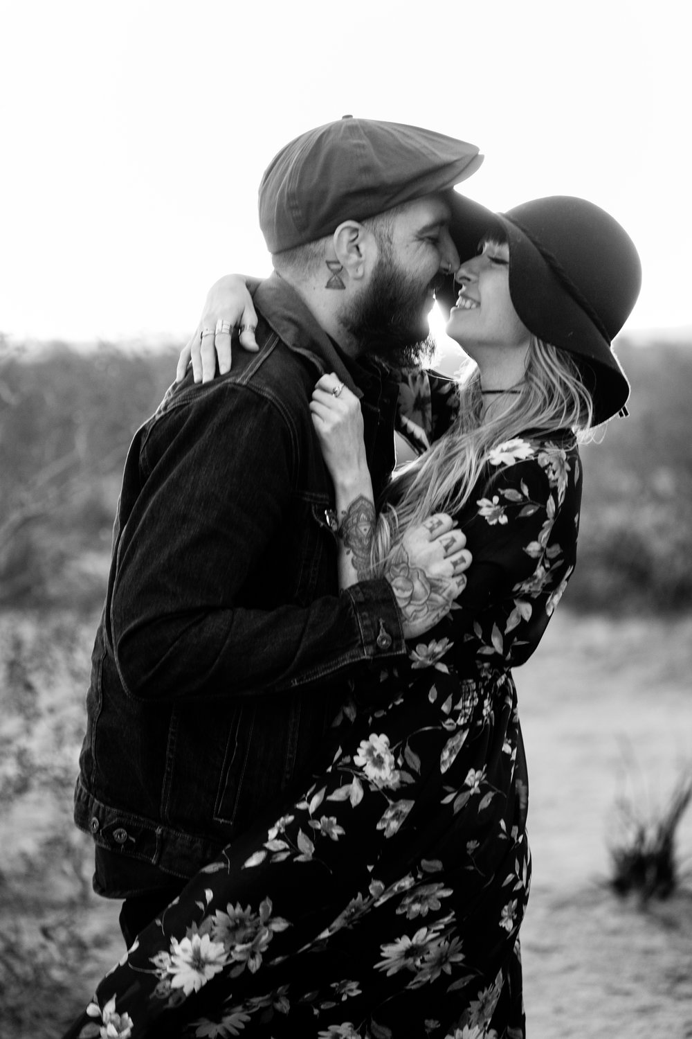 nicole-daacke-photography-joshua-tree-cactus-garden-engagement-photos-joshua-tree-national-park-enegagement-session-edgy-hipster-california-cholla-garden-golden-sunset-session-77.jpg