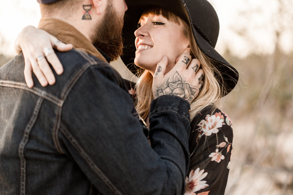 nicole-daacke-photography-joshua-tree-cactus-garden-engagement-photos-joshua-tree-national-park-enegagement-session-edgy-hipster-california-cholla-garden-golden-sunset-session-80.jpg