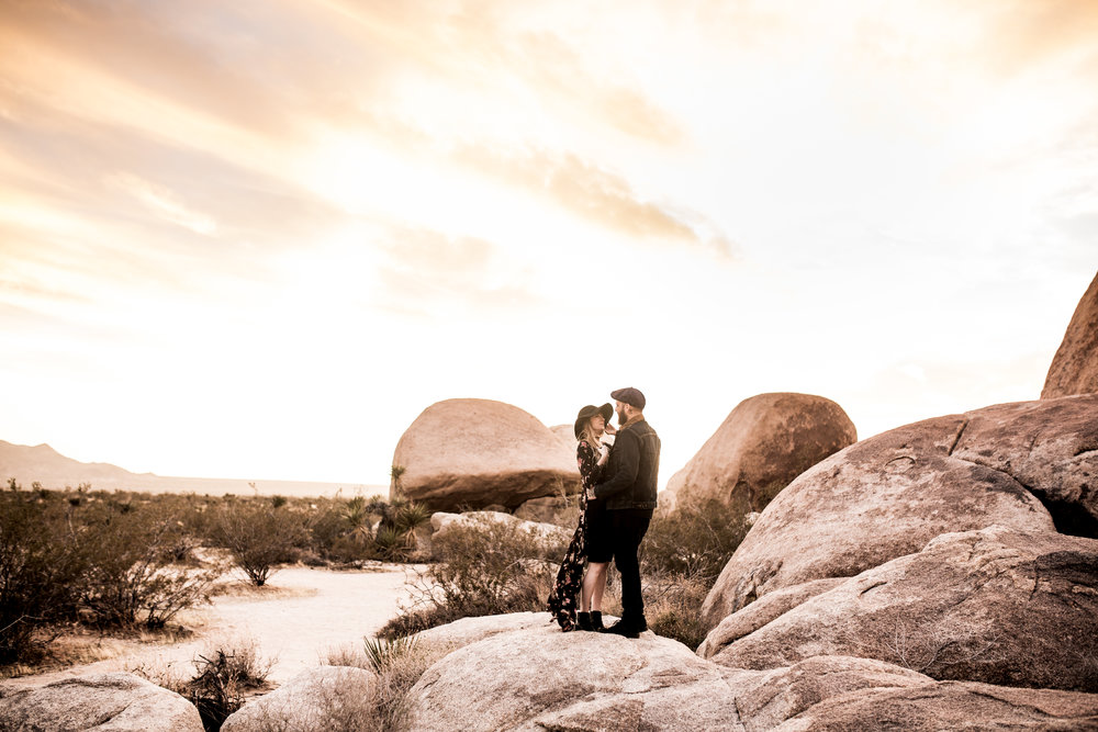 nicole-daacke-photography-joshua-tree-cactus-garden-engagement-photos-joshua-tree-national-park-enegagement-session-edgy-hipster-california-cholla-garden-golden-sunset-session-85.jpg