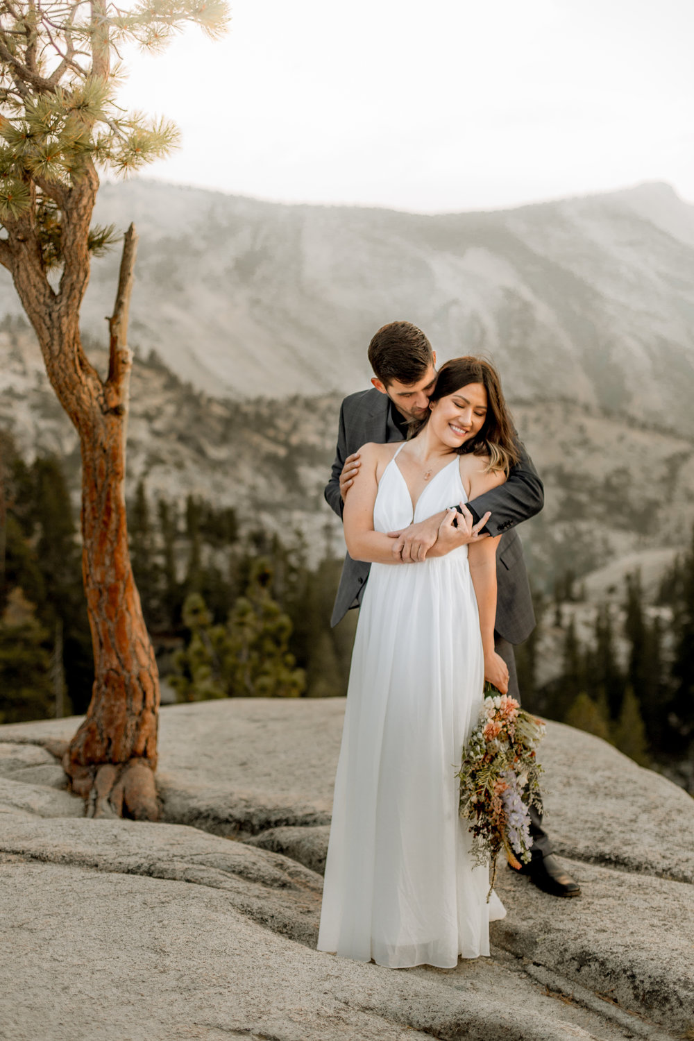 nicole-daacke-photography-yosemite-national-park-fall-elopement-adventurous-free-spirit-boho-bohemian-elopement-olmsted-point-yosemite-california-elope-adventure-elopement-photographer-38.jpg