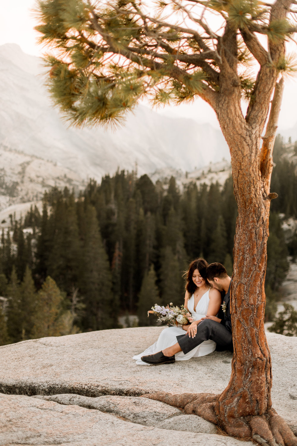 nicole-daacke-photography-yosemite-national-park-fall-elopement-adventurous-free-spirit-boho-bohemian-elopement-olmsted-point-yosemite-california-elope-adventure-elopement-photographer-60.jpg