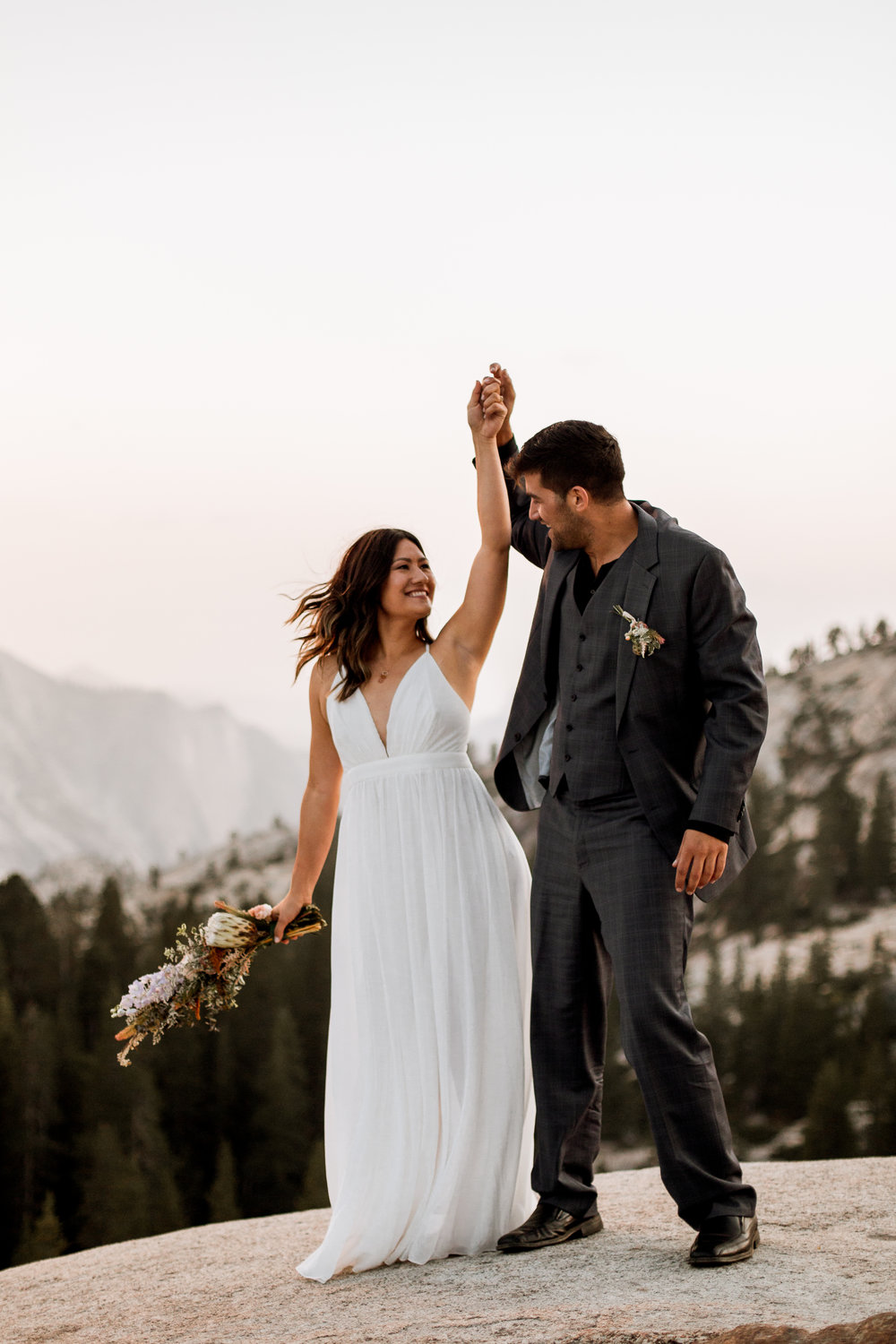 nicole-daacke-photography-yosemite-national-park-fall-elopement-adventurous-free-spirit-boho-bohemian-elopement-olmsted-point-yosemite-california-elope-adventure-elopement-photographer-62.jpg