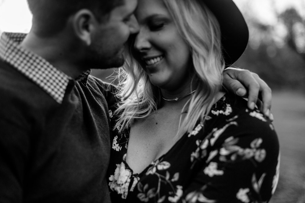 nicole-daacke-photography-carefree-bohemian-lancaster-pa-pennsylvania-engagement-photos-engagement-session-golden-sunset-adventure-session-in-lancaster-pa-lancaster-pa-outdoor-wedding-photographer-40.jpg