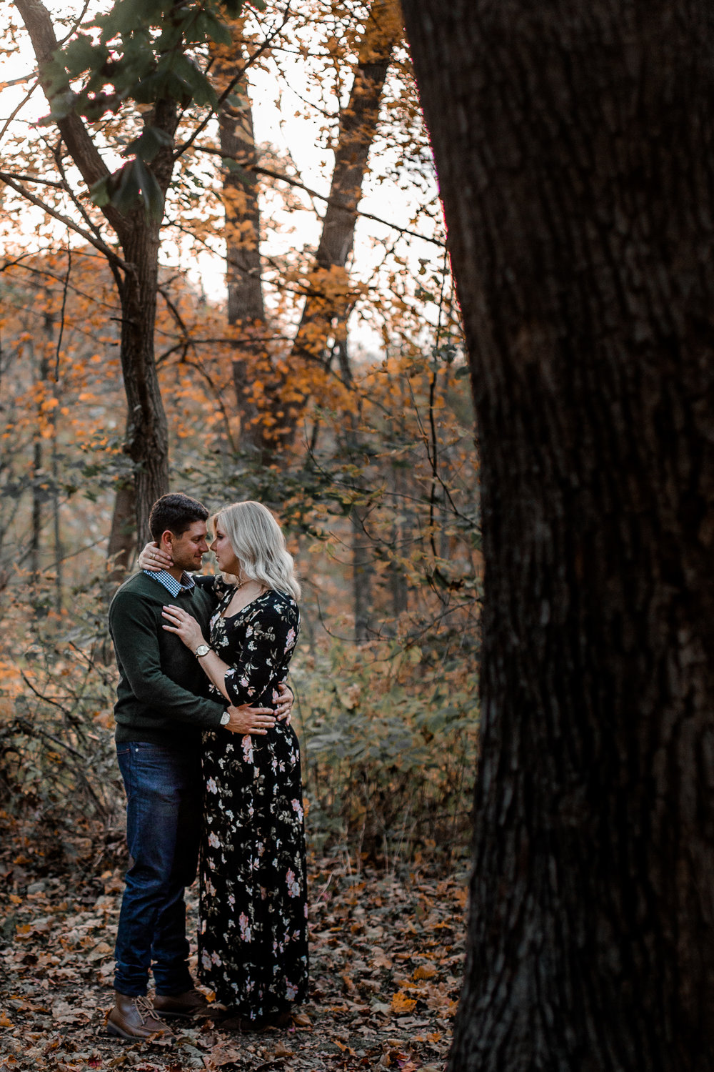 nicole-daacke-photography-carefree-bohemian-lancaster-pa-pennsylvania-engagement-photos-engagement-session-golden-sunset-adventure-session-in-lancaster-pa-lancaster-pa-outdoor-wedding-photographer-56.jpg