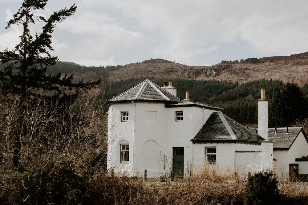 nicole-daacke-photography-scottish-highlands-elopement-wedding-photographer-isle-of-skye-elopement-photography-scotland-landscape-photography-culloden-inverness-stirling-destination-wedding-united-kindgom-wedding-photographer-21.jpg