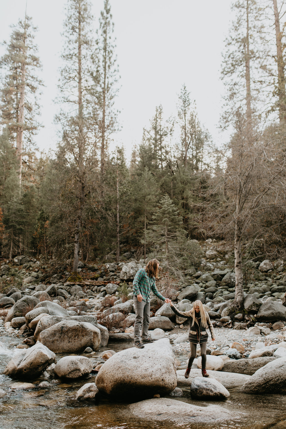 nicole-daacke-photography-yosemite-riverside-adventurous-engagement-photos-in-yosemite-national-park-elopement-photographer-weddings-travel-destination-wedding-eloping-elope-pine-forest-12.jpg