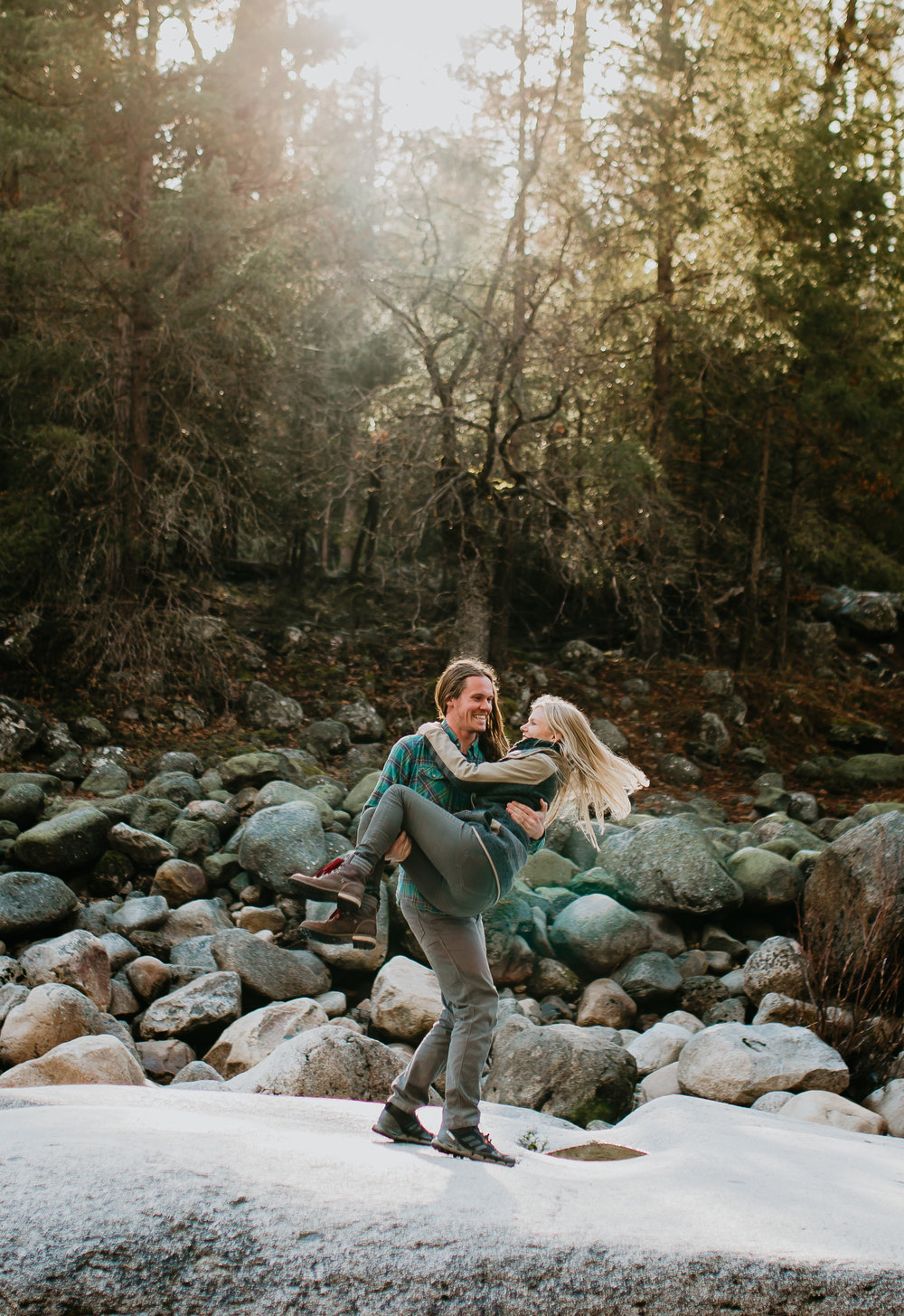 nicole-daacke-photography-yosemite-riverside-adventurous-engagement-photos-in-yosemite-national-park-elopement-photographer-weddings-travel-destination-wedding-eloping-elope-pine-forest-19.jpg