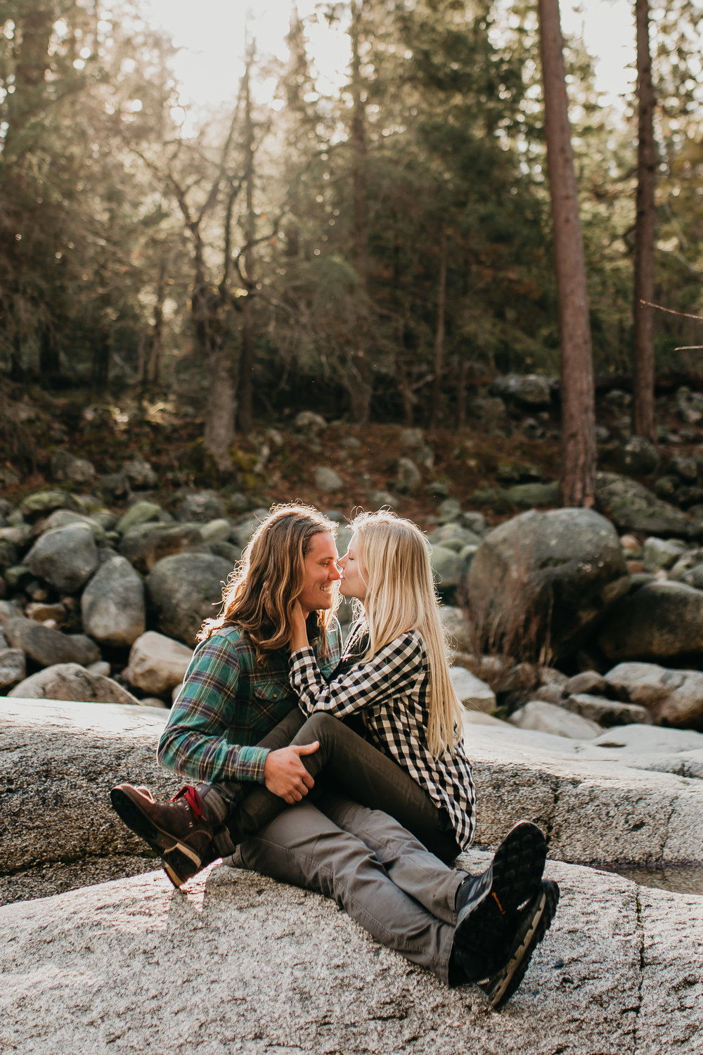 nicole-daacke-photography-yosemite-riverside-adventurous-engagement-photos-in-yosemite-national-park-elopement-photographer-weddings-travel-destination-wedding-eloping-elope-pine-forest-31.jpg