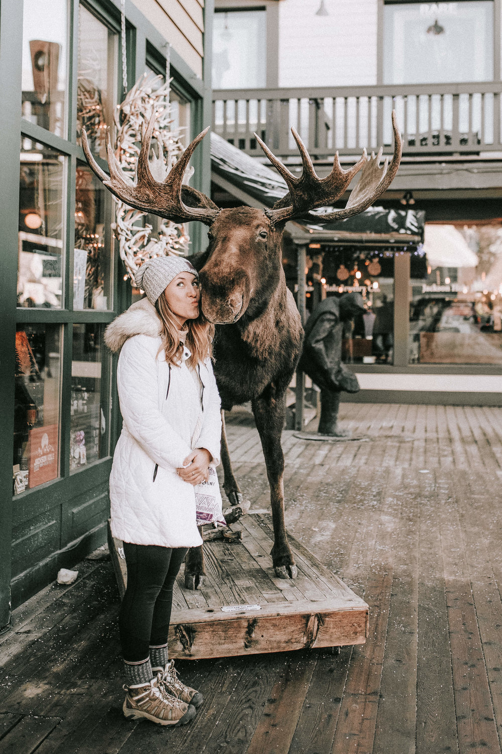 nicole-daacke-photography-jackson-hole-grand-teton-national-park-elopement-wedding-photographer-adventurous-engagement-session-grand-tetons-snow-visit-itinerary-for-jackson-hole-wyoming-9429.jpg