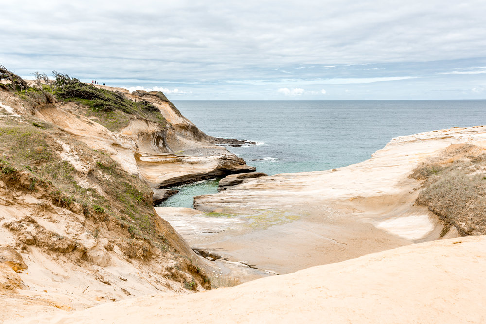 nicole-daacke-photography-oregon-coast-landscapes-elopement-photographer-wedding-photography-adventure-lifestyle-roadtrip-along-oregon-coast-cape-kiwanda-oceanside-beach-cannon-beach-oregon-pnw-1.jpg