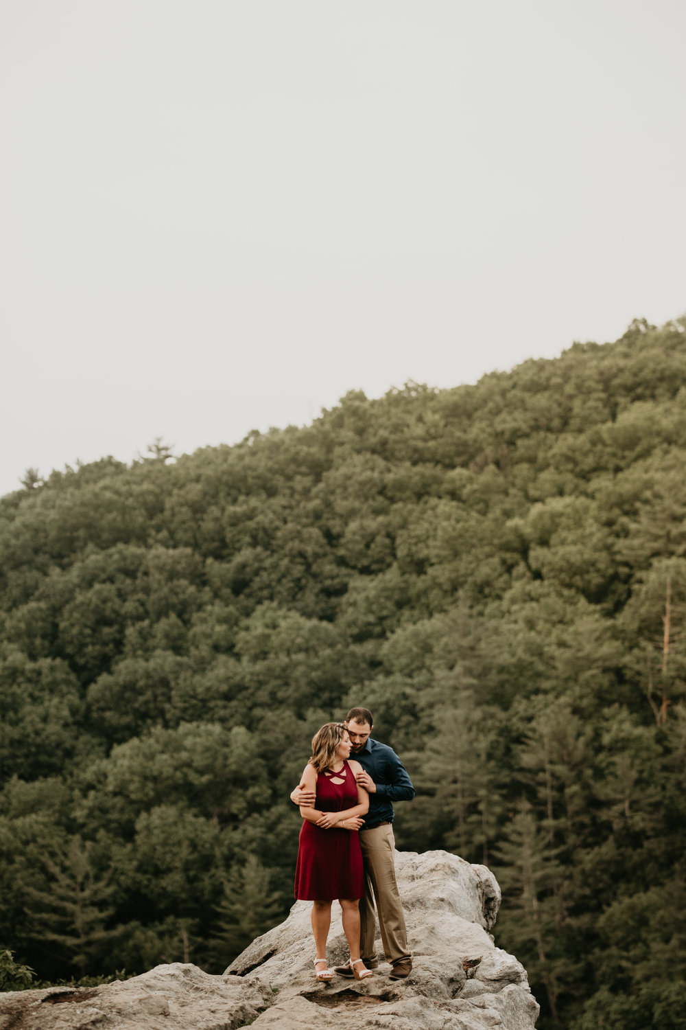Nicole-Daacke-Photography-rock-state-park-overlook-king-queen-seat-maryland-hiking-adventure-engagement-session-photos-portraits-summer-bel-air-dog-engagement-session-23.jpg