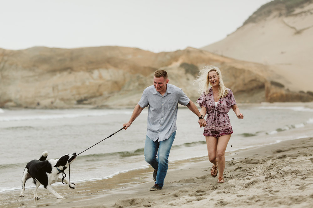 Nicole-daacke-photography-cape-kiwanda-foggy-adventure-session-engagement-session-anniversary-photos-oregon-coast-pacific-city-oregon-elopement-photographer-2.jpg